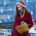 Zdjęcie przedstawia kosz kabłącok w zimowej, świątecznej oprawie.